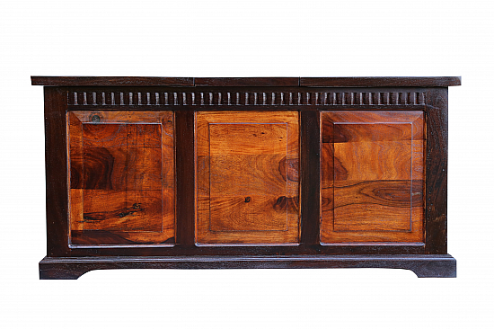 Spartan wooden Blanket chest :: Coffee table