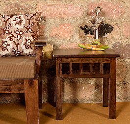 Adeleine Side Table :: Contempo