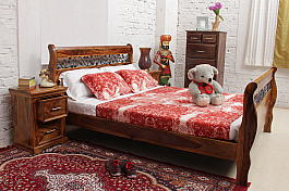 Spainiot King size curved sleigh bed wood is good !!